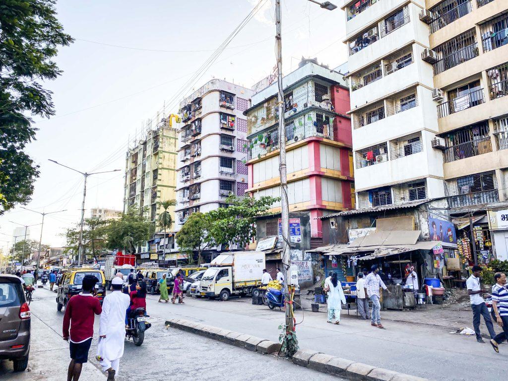 【印度孟買自由行】達拉維 Dharavi 貧民窟步行導覽 一睹全亞洲最大的貧民窟 走訪寶萊塢人氣電影《貧民百萬富翁》的場景|三八旅客